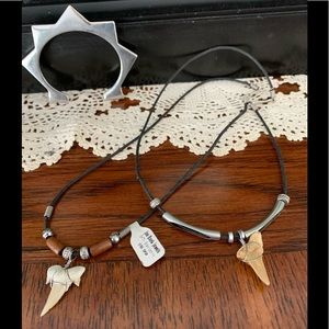 Jewelry - Bundle of 2 necklaces and a bracelet